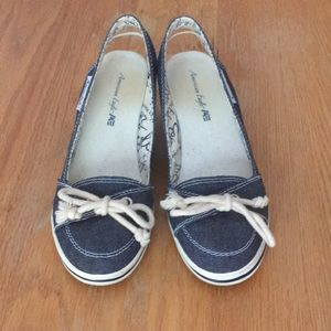 Women's size 6 American Eagle demin wedge